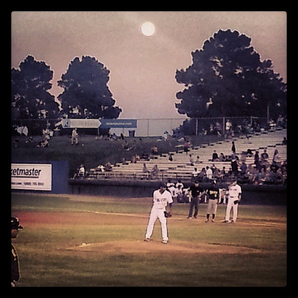 Photo prise au Cashman Field par Jesse S. le6/23/2013
