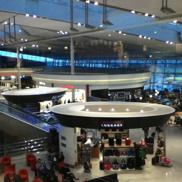 Foto tirada no(a) Aeroporto de Dublin (DUB) por Diogo V. em 2/8/2013