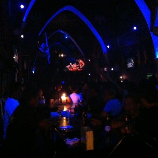 Das Foto wurde bei TOM'S Leather Bar von Andros M. am 9/30/2012 aufgenommen