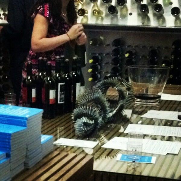 Foto diambil di Wine By The Bay oleh Adonis S. pada 12/2/2012