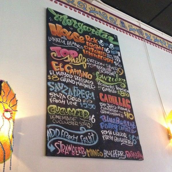 2/24/2013にtracy p.がJuan's Flying Burritoで撮った写真