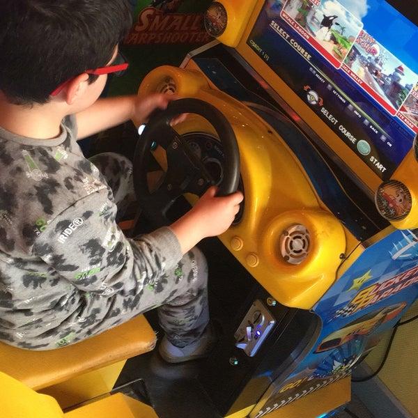 3/31/2018 tarihinde HeLeN İlknur V.ziyaretçi tarafından Fantasyland Oyun Merkezi & Coffee'de çekilen fotoğraf