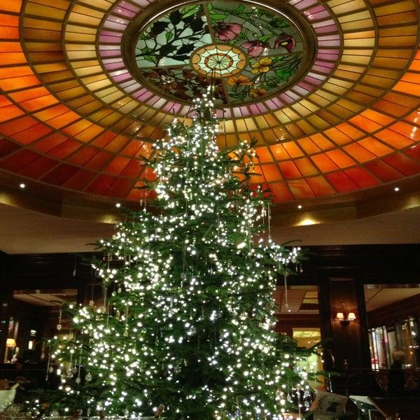 รูปภาพถ่ายที่ Hotel Vier Jahreszeiten Kempinski โดย Johann Peter S. เมื่อ 12/21/2012