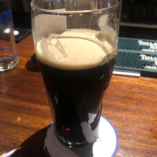 Foto tirada no(a) Tigin Irish Pub por Jeremiah J. em 1/19/2020