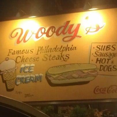 Foto scattata a Woody's Famous CheeseSteaks da Pink Sugar Atlanta N. il 11/28/2012