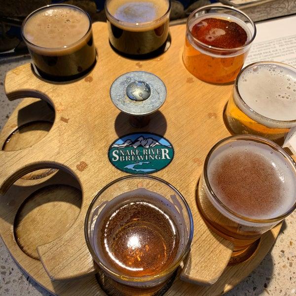 Das Foto wurde bei Snake River Brewery & Restaurant von NTL am 10/18/2020 aufgenommen