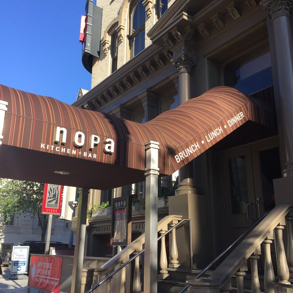 Photo prise au NoPa Kitchen + Bar par Melissa M. le5/17/2017