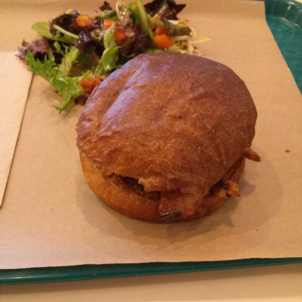 Foto tirada no(a) Sandwich Me In por Rosie C. em 8/22/2013