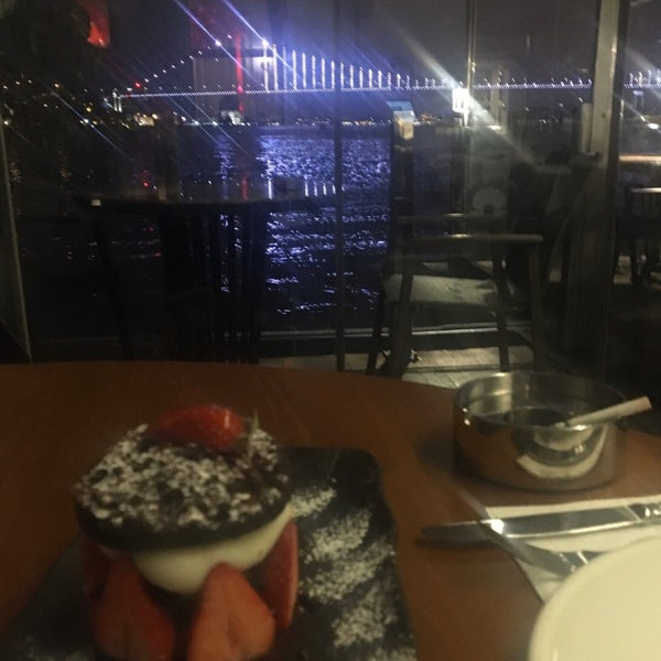 Foto diambil di İnci Bosphorus oleh 🇹🇷🇹🇷fatih1453 A. pada 3/6/2020