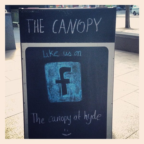 Foto tirada no(a) The Canopy at Hyde por Alex Z. em 9/26/2012