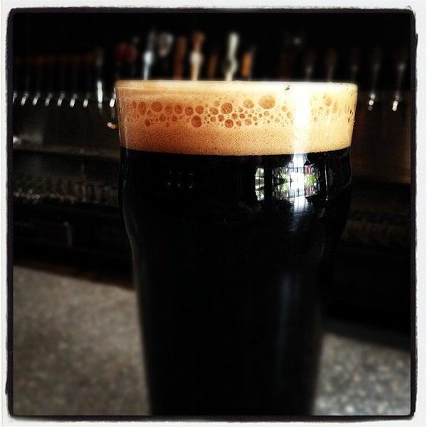 Снимок сделан в Kinetic Brewing Company пользователем Kinetic Brewing 11/15/2012