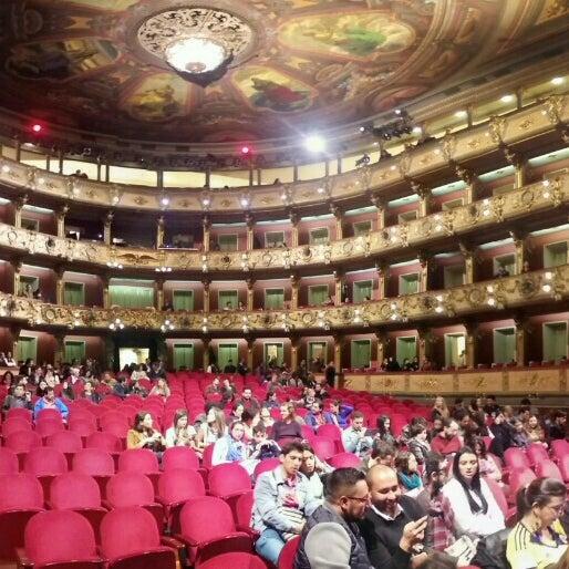 Das Foto wurde bei Teatro Colón von Diego C. am 6/4/2016 aufgenommen