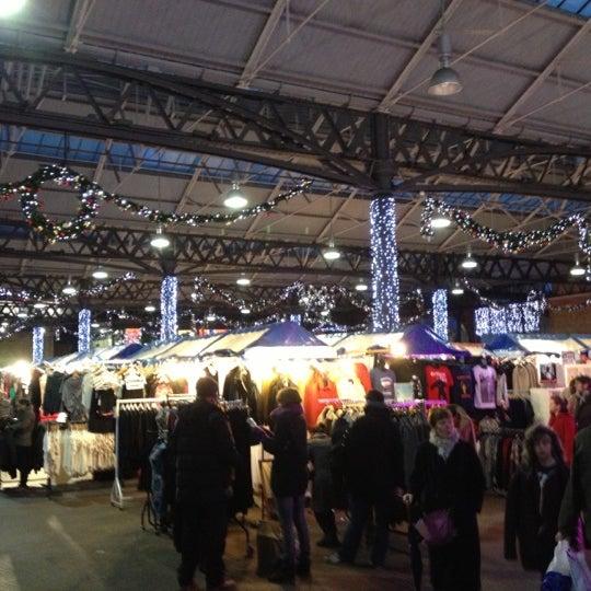 Foto tomada en Old Spitalfields Market por APA el 11/24/2012