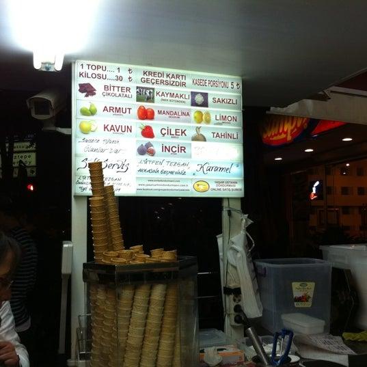 Foto tirada no(a) Dondurmacı Yaşar Usta por Pelin Y. em 9/23/2012
