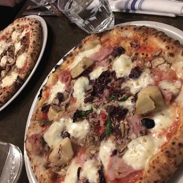 รูปภาพถ่ายที่ Sottocasa Pizzeria โดย Natalie S. เมื่อ 11/9/2019