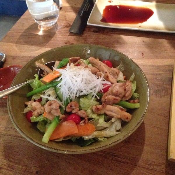 Foto scattata a Yada Sushi da H il 11/2/2014