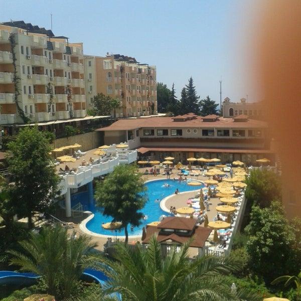 6/24/2013 tarihinde J S.ziyaretçi tarafından Club Paradiso Hotel & Resort'de çekilen fotoğraf