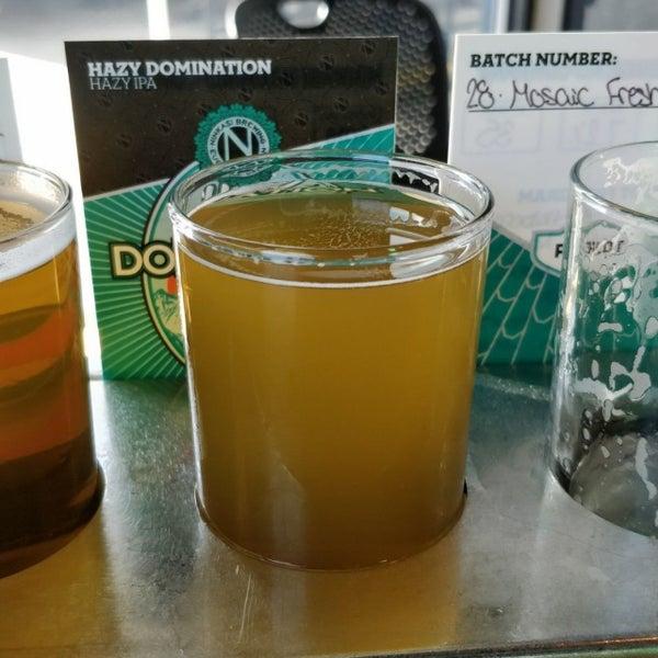รูปภาพถ่ายที่ Ninkasi Brewing Tasting Room โดย Steven G. เมื่อ 10/5/2019