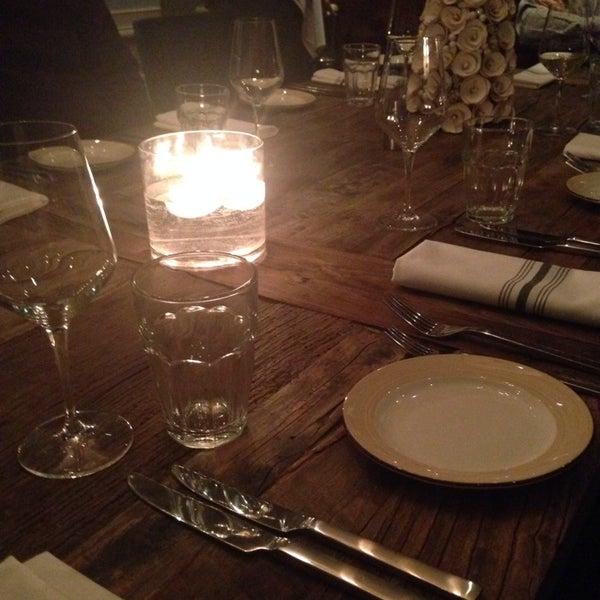 Photo prise au NoPa Kitchen + Bar par Danielle D. le12/14/2014