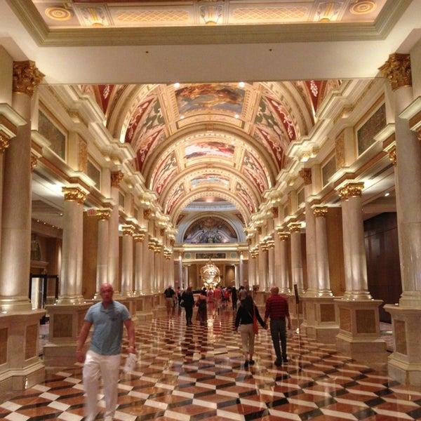 Foto tirada no(a) Venetian Resort & Casino por Daniel G. em 4/7/2013