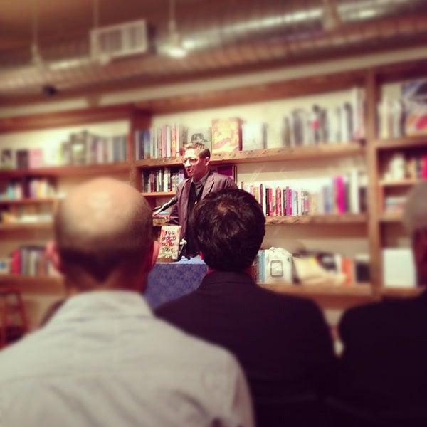 Das Foto wurde bei BookCourt von Peter K. am 10/16/2012 aufgenommen