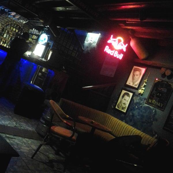 Foto tirada no(a) Deep Blue Bar por Turkey's For Life em 11/10/2012