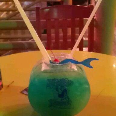 Foto diambil di Mickie Finnz Fish House & Bar oleh Mandy R. pada 11/9/2012