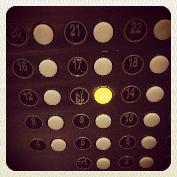 รูปภาพถ่ายที่ Magnolia Hotel โดย Hawkeye เมื่อ 10/18/2012
