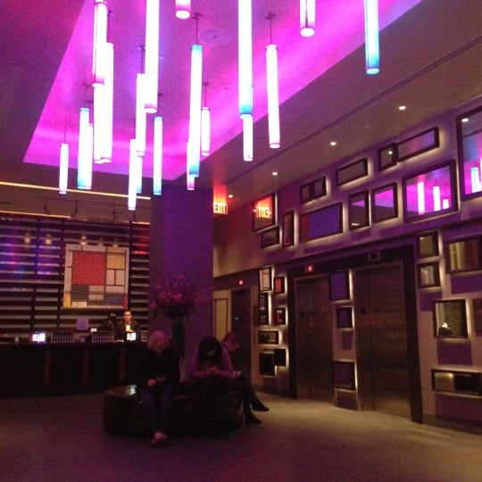 12/4/2012 tarihinde Nick Cope @ WET Republic M.ziyaretçi tarafından Hilton New York Fashion District'de çekilen fotoğraf