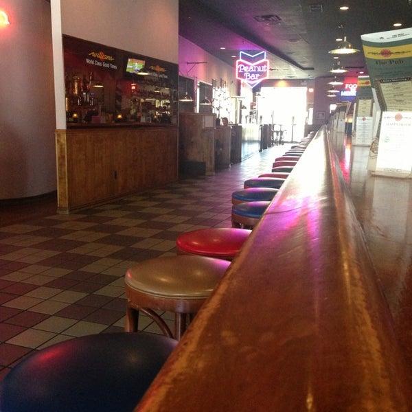 8/17/2013에 Jamie L.님이 Williams Uptown Pub & Peanut Bar에서 찍은 사진