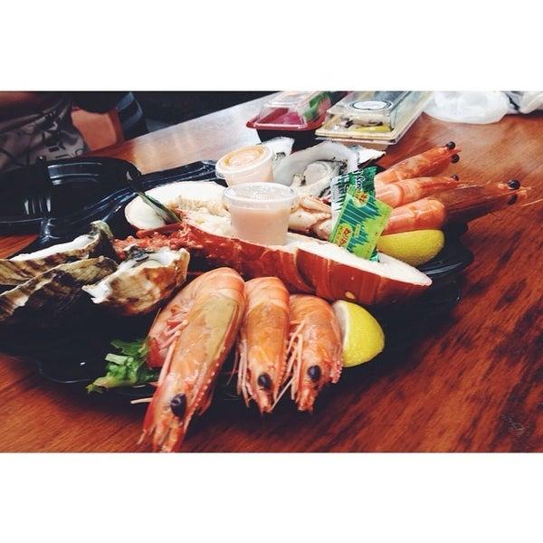 Foto scattata a Peter's Fish Market da Aeqmal H. il 8/14/2014