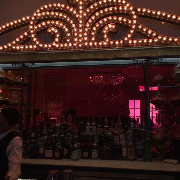 Foto tirada no(a) Bar Cyrk NYC por John F. em 3/16/2015