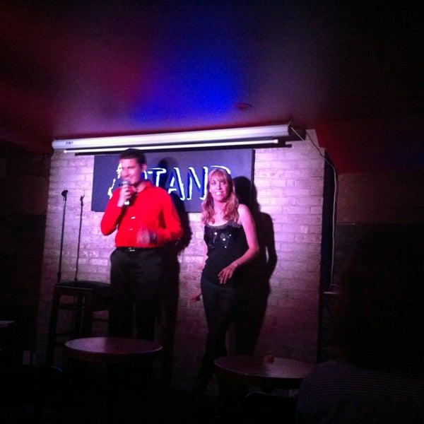 รูปภาพถ่ายที่ The Stand Restaurant & Comedy Club โดย Thomas C. เมื่อ 4/11/2013