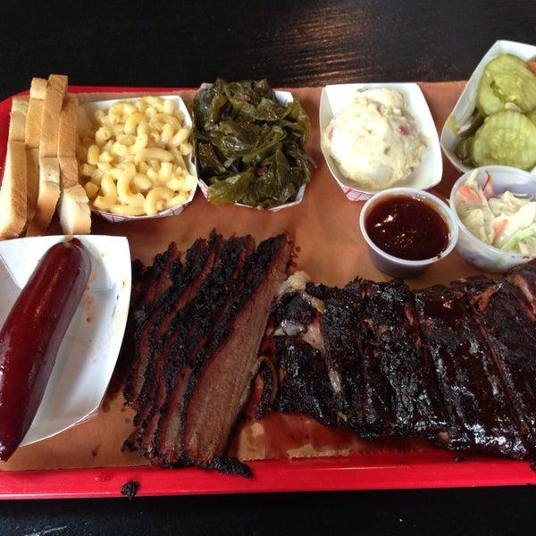 รูปภาพถ่ายที่ Mable's Smokehouse & Banquet Hall โดย Lea G. เมื่อ 7/24/2013