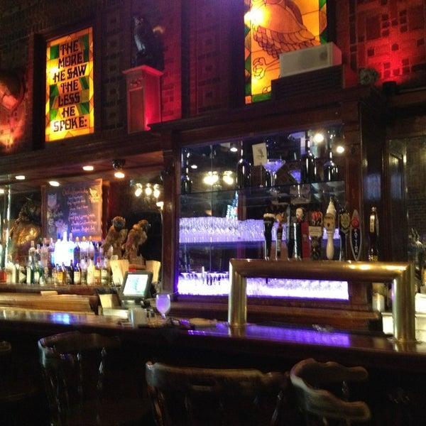 Foto diambil di The Owl Bar oleh Elsa pada 9/29/2013