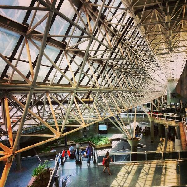 Foto tomada en Aeropuerto Internacional de Brasilia Presidente Juscelino Kubitschek (BSB) por Alessandro C. el 11/22/2013