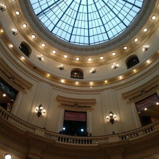Photo taken at Centro Cultural Banco do Brasil (CCBB) by Helton B. on 12/15/2012