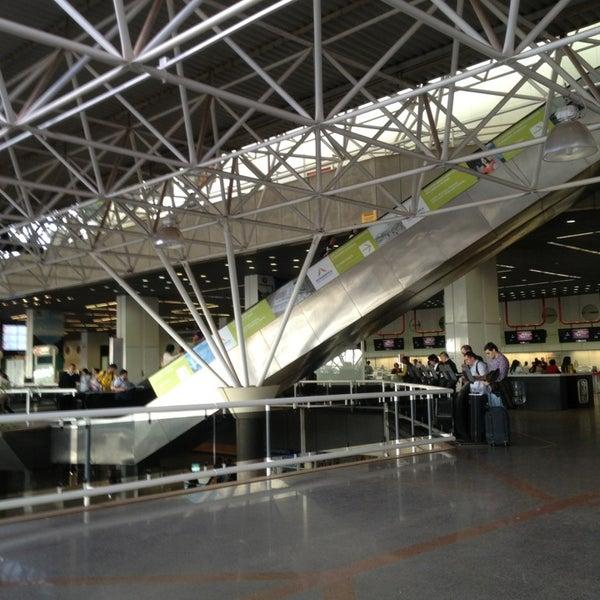 Foto tomada en Aeropuerto Internacional de Brasilia Presidente Juscelino Kubitschek (BSB) por Emi V. el 7/16/2013