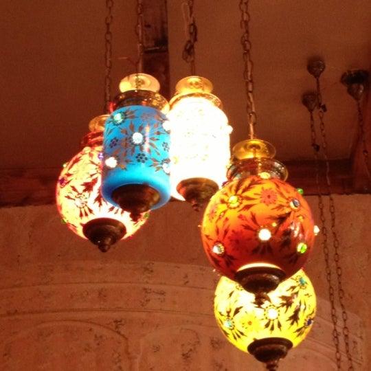 รูปภาพถ่ายที่ Devi โดย Kim M. เมื่อ 11/8/2012