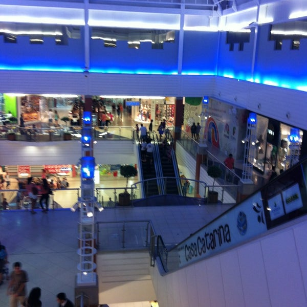 Снимок сделан в Floripa Shopping пользователем Marcelo G. 1/9/2013