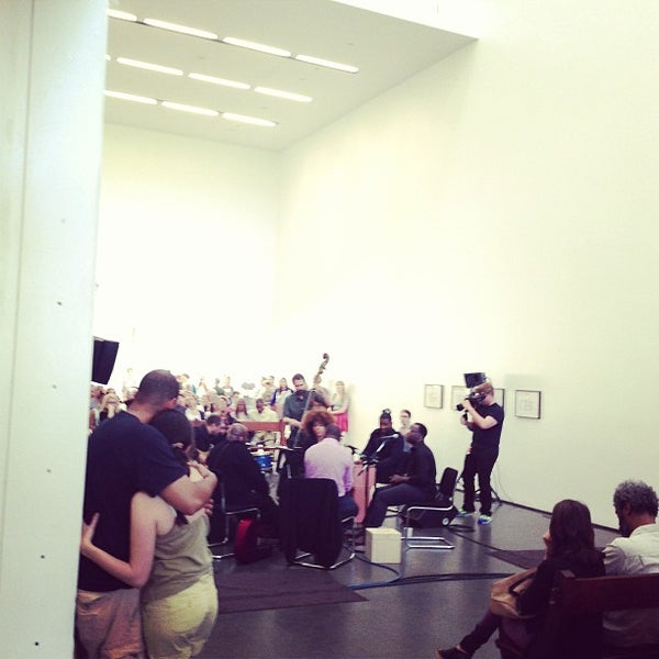 Foto diambil di Museum of Contemporary Art Chicago oleh Justin B. pada 6/30/2013