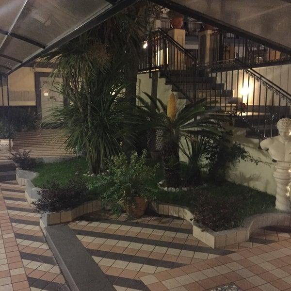Das Foto wurde bei Hotel Villa Luisa von Giuseppe A. am 7/2/2015 aufgenommen