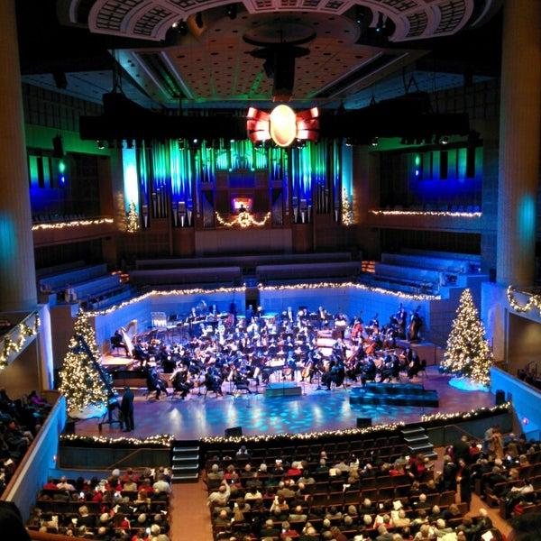 Foto tirada no(a) Morton H. Meyerson Symphony Center por Matt R. em 12/14/2013