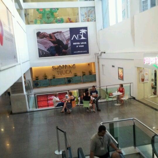 10/31/2012 tarihinde Newton G.ziyaretçi tarafından Shopping Tijuca'de çekilen fotoğraf