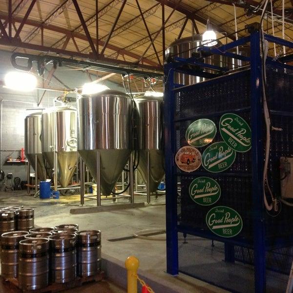 Foto diambil di Good People Brewing Company oleh Ric H. pada 4/6/2013