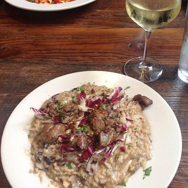 Das Foto wurde bei Campagnolo Restaurant + Bar von DelVinson am 1/16/2013 aufgenommen