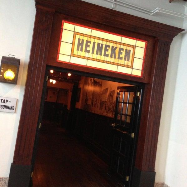 Das Foto wurde bei Heineken Experience von Fabián G. am 7/20/2013 aufgenommen