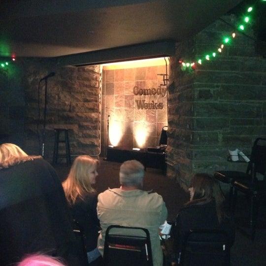 12/8/2012 tarihinde Kevin V.ziyaretçi tarafından Comedy Works Downtown in Larimer Square'de çekilen fotoğraf