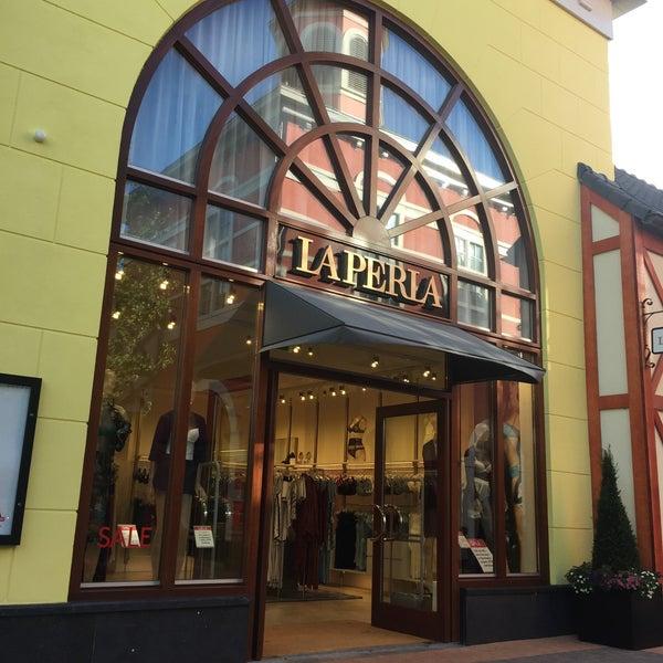 Photos at La Perla - 23 visitors