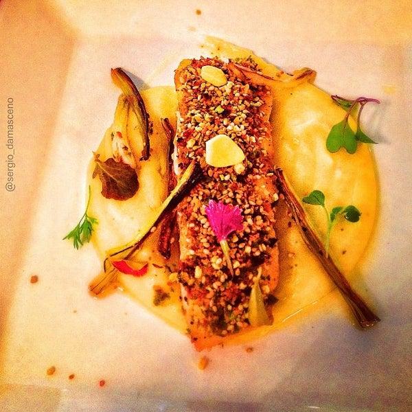 Photo prise au Restaurante Miya par Sergio D. le1/29/2013